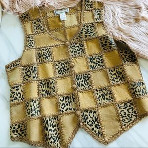 S.m.h leather Leo print vest size medium